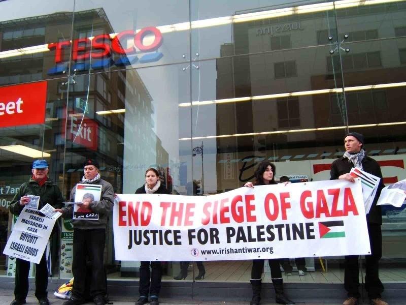 Photo of Portland BDS Coalition Flash Mobs New Seasons رقص وغناء لمقاطعة البضائع الإسرائيلية ودعم فلسطين
